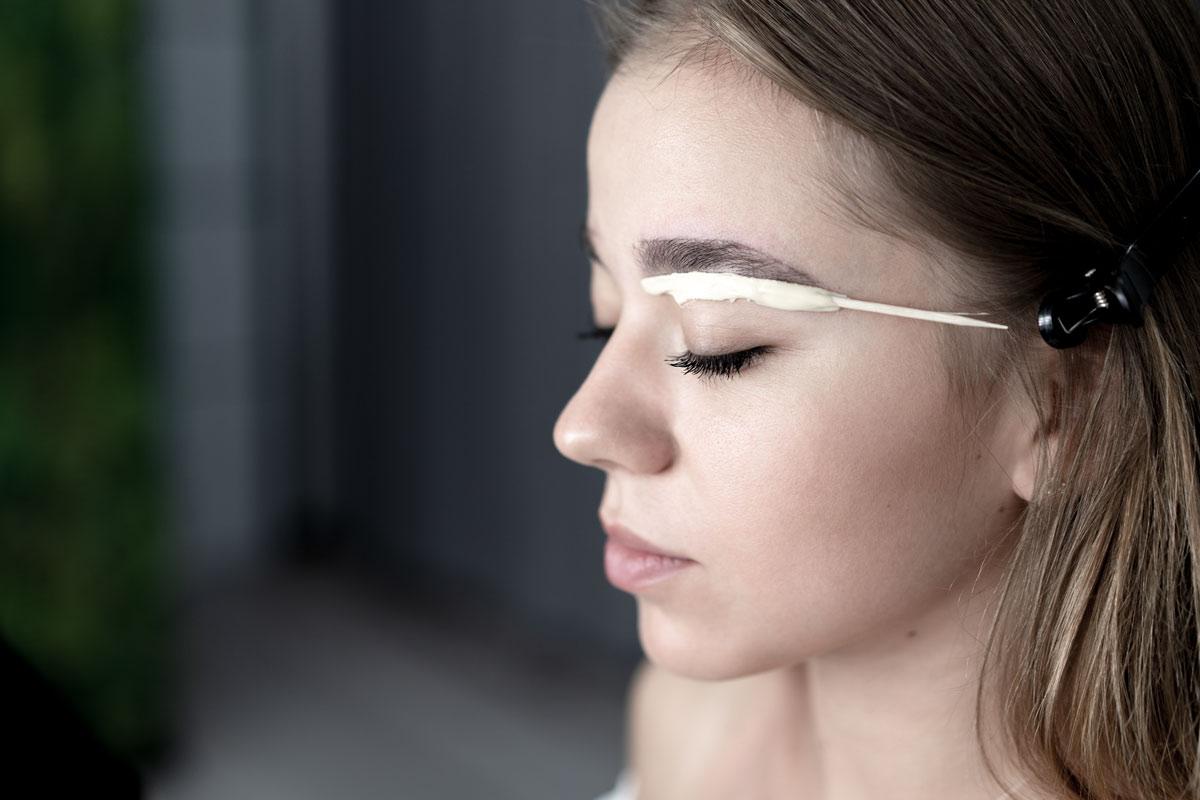 5 errores comunes a la hora de cuidar tu cejas. 1